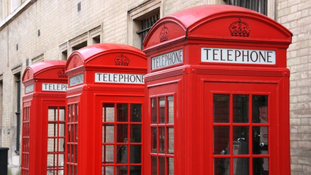London Phone Booths Become Cell Phone Charging Stations