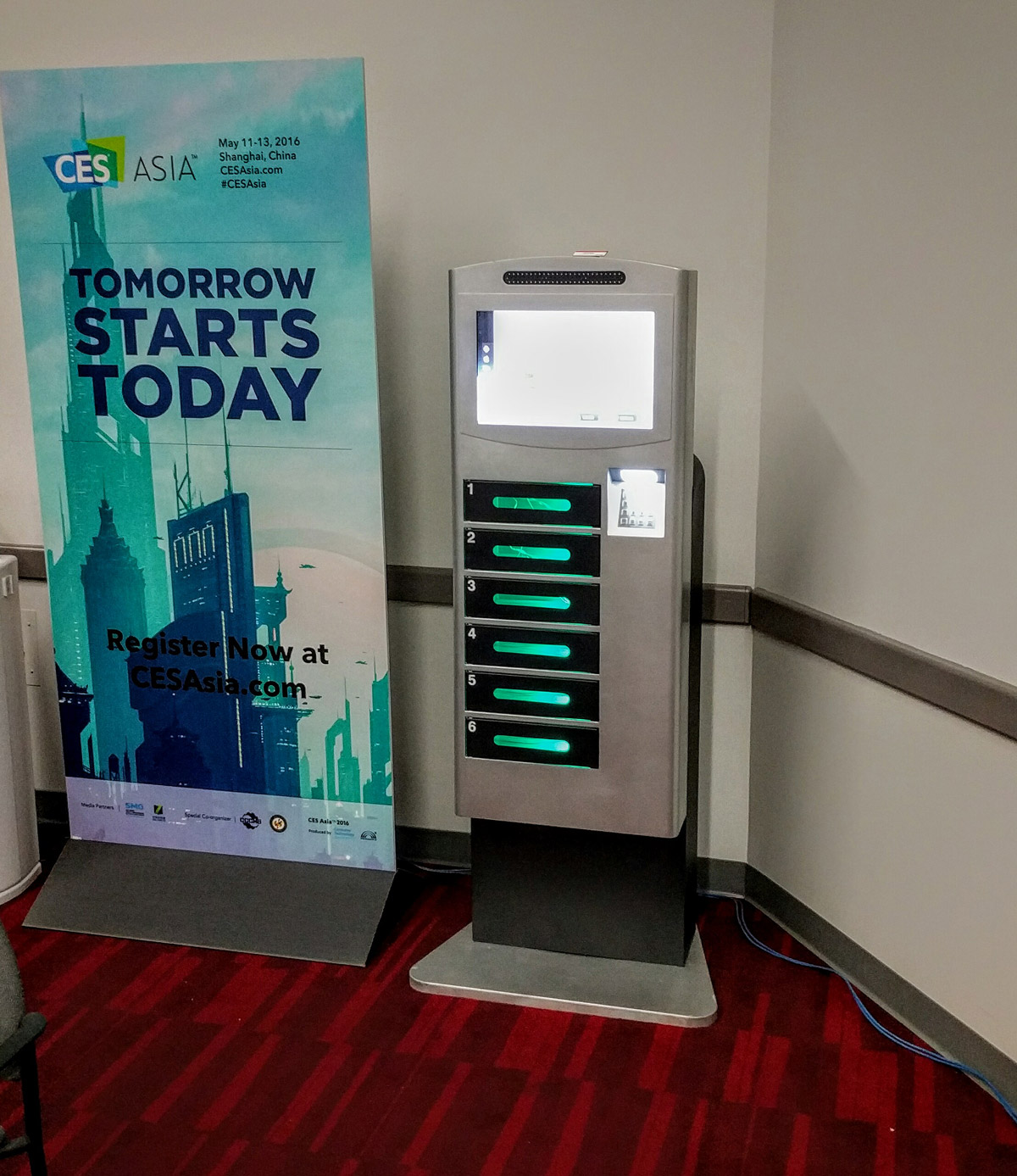 Veloxity CES Charging Lockers