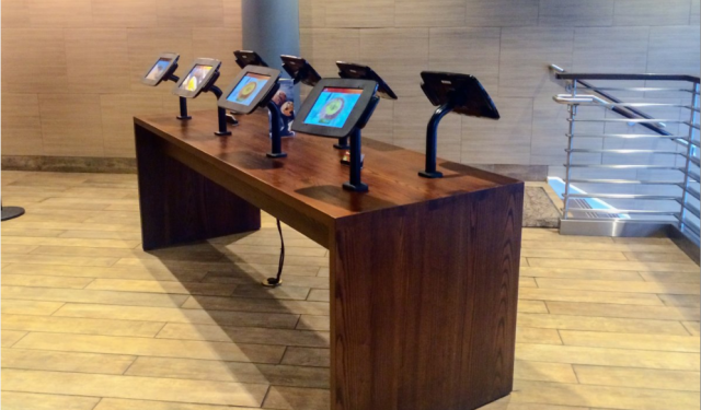 Panera Bread is replacing cashiers with kiosks