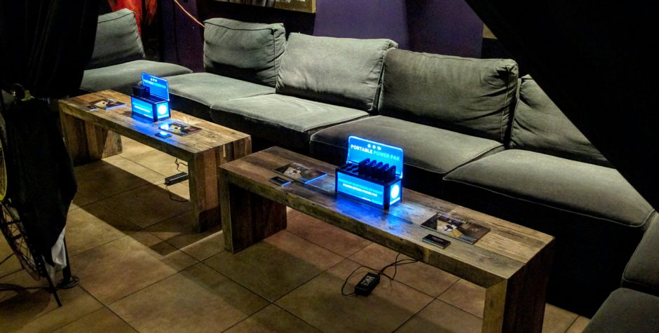 How Portable Charging Stations Can Improve Your Bar or Restaurant